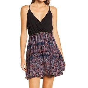 Floral Patterned Offering Strappy Mini Dress